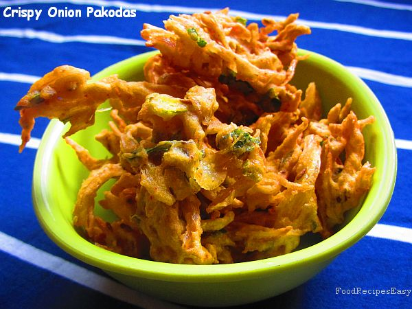crispy Indian onion pakoras recipe